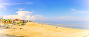 песчаны пляж в кирилловке самый большой лутшый пляж кириловки