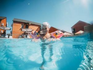 детский бассейн кирилловка для дітей азовське море кирилівка